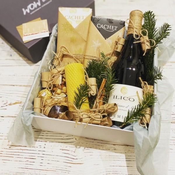 Подарунковий набір з вином і медовою свічкою №309 Подарунки на Новий Рік - 1