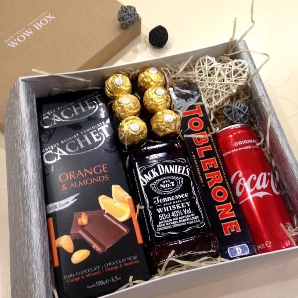 Подарунковий набір з віскі, колою та шоколадом N 34