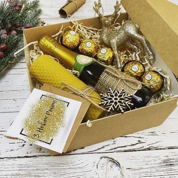 Подарочный бокс новогодний с шампанским