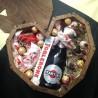 Дерев'яне подарункове серце з іграшкою, солодощами та мартіні Жіночі подарункові набори - 2