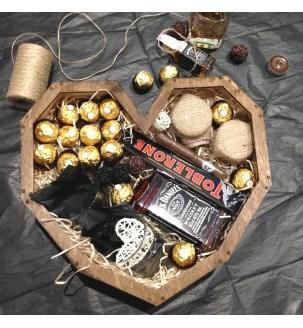 Деревянное сердце с виски и вкусностями Мужские подарочные наборы - 5