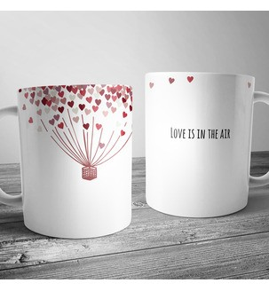 "Чашка і принтом ""Love is in the air"""