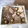 Набір ялинкових іграшок з дерева Подарунки на Новий Рік - 3