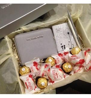 Набір з жіночим гаманцем Michael Kors для двчини