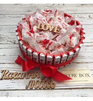 тортик з кіндерів і Рафаелло Подарунки - 4
