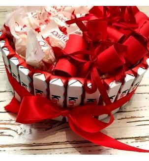 тортик з кіндерів і Рафаелло з записочками Подарунки - 2