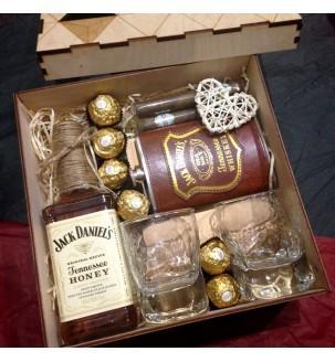 Подарунок шефу на день народження купити
